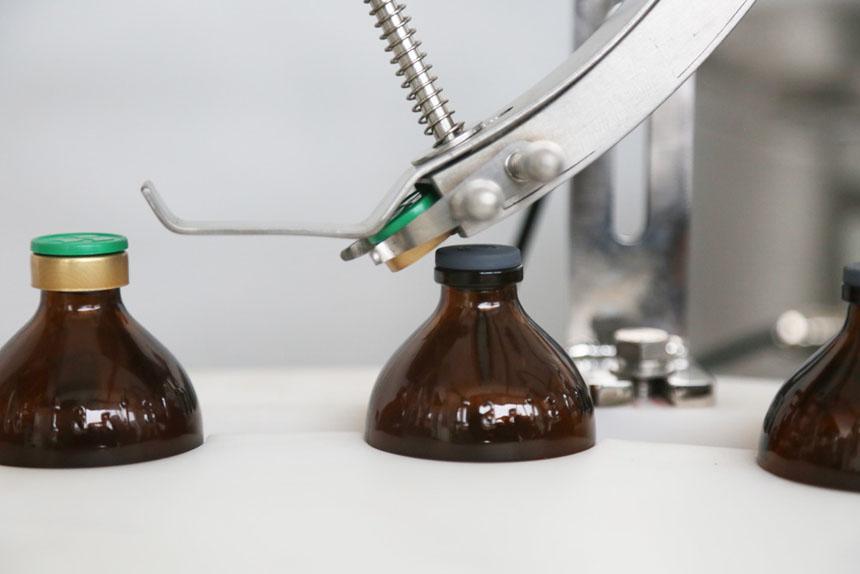 全自动旋转式液体灌装旋盖一体机
