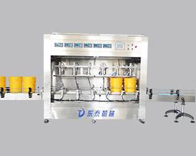 车间实拍全自动防锈油灌装机  防冻液灌装机