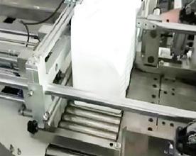不知该如何操作自动桶装油装箱机 看这里有视频!